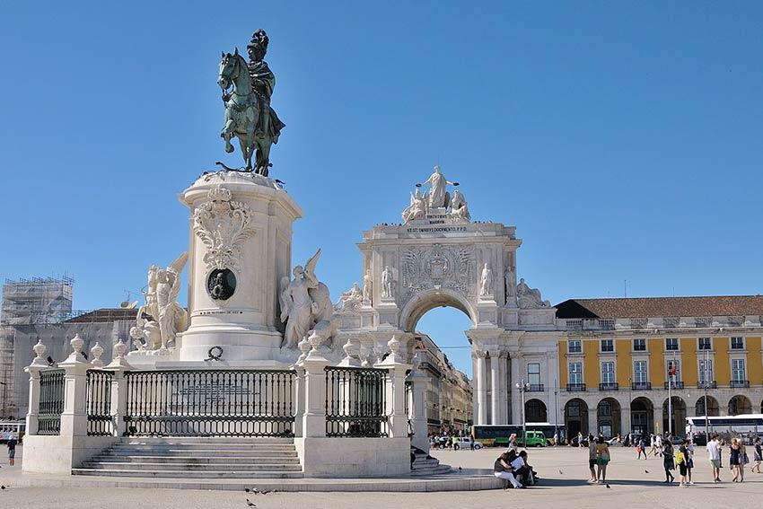 Все лучшие площади Лиссабона с гидом