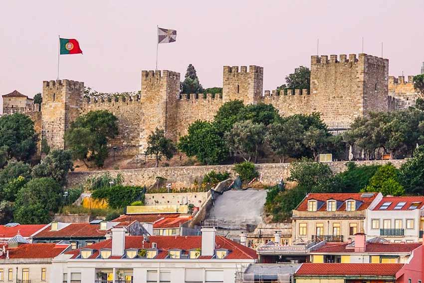 Замок Святого Георгия в Лиссабоне (фото)